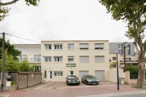 Fully furnished studios and apartments near Clamart City Center, Paris-Porte de Versailles, Versailles City Center and Castle, Issy-Les-Moulineaux, Boulogne Billancourt, Châtillon, Vanves, Malakoff and Paris City Center...